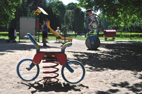 najlepsze place zabaw Warszawa opinie rodzinne atrakcje