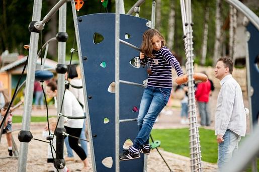 plac zabaw rodzinny park bajek atrakcje dla dzieci opinie cennik