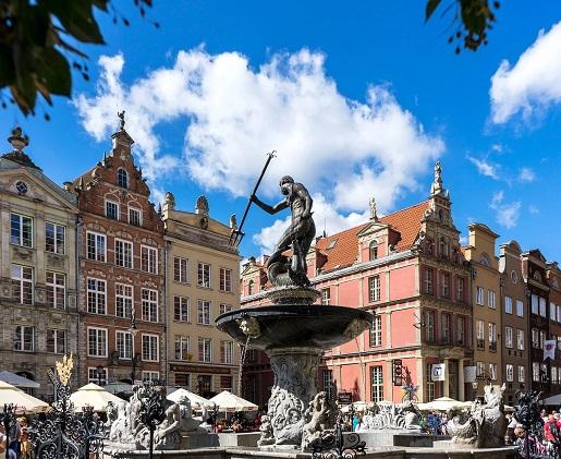 pomnik neptuna gdansk gdzie z rowerem z dzieckiem