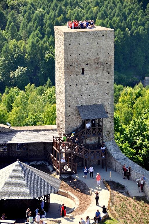 Zamek Chęciny baszta opinie atrakcje