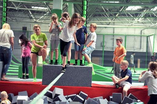 rodzinne atrakcje dla dzieci kraków gojump park trampolin ceny opinie
