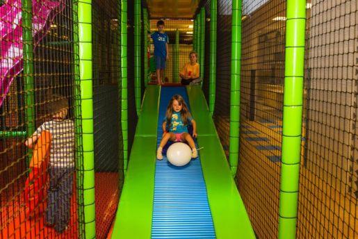 atrakcje dla dzieci Fikołki plac zabaw Warszawa