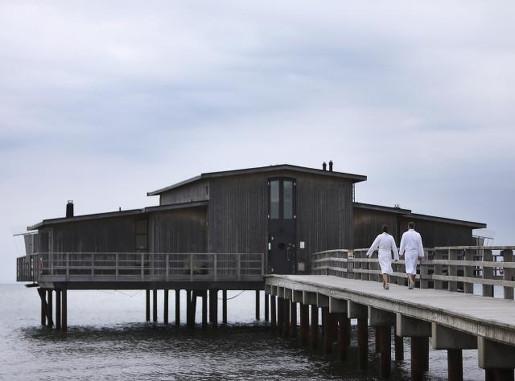 skania z dzieckiem najlepsze atrakcje gdzie jechać zimna kąpiel Bjarred molo Fot. Carolina Romare Hotell Skansen Båstad cold bath