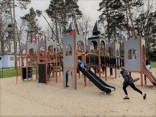 sopot plac zabaw dla dzieci blisko plaży