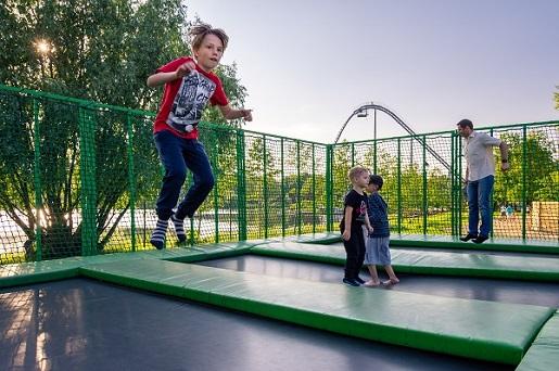 trampoliny Legenedia atrakcje na jeden dzień z dzieckiem