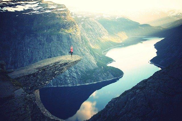 trolltunga norwegia z dzieckiem podróż skandynawia atrakcje fiordy