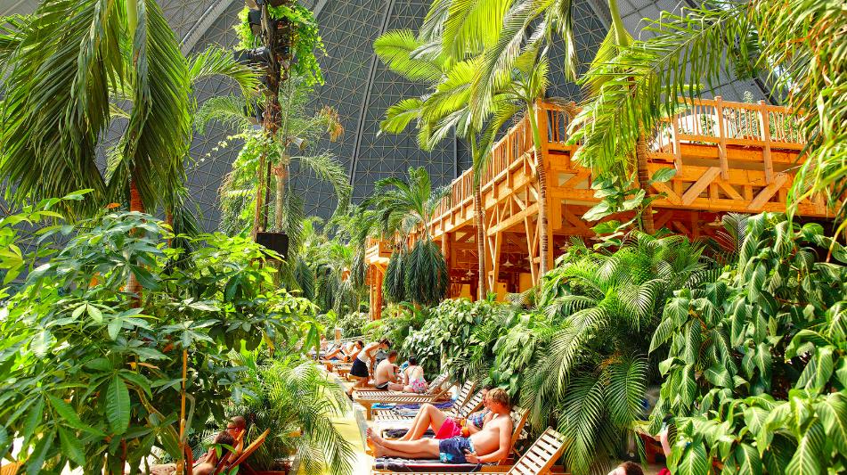 tropikalna wyspa tropical island berlin ceny opinie bilety z dzieckiem leżaki
