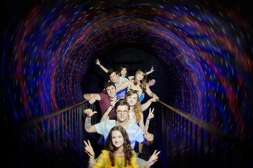 tunel swiat iluzji warszawa rodzinne atrakcje dla dzieci opinie cennik