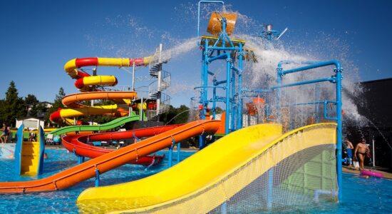 wakacje domki nad morzem z aquaparkiem basenem dla dzieci Łazy Holiday Golden Resort opinie atrakcje 2021
