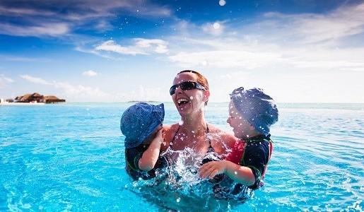 Najlepsze biura podróży na wakacje z dziećmi