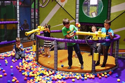 sala zabaw w Krakowie dla dzieci atrakcje park rozrywki opinie