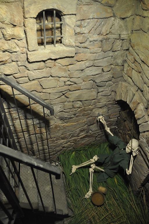 zamek Chęciny festyny opinie atrakcje