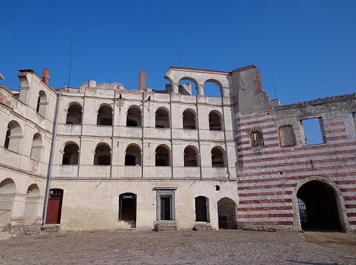 najlepsze zamki w polsce rodzinne atrakcje zamek w janowcu zwiedzanie opinie